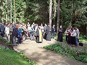 Духовенство Смоленской епархии приняло участие в акции, посвященной девятилетию мемориала «Катынь»